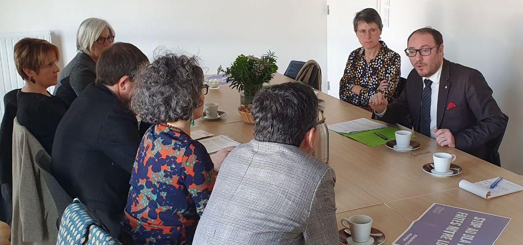 Denis Masséglia avec les directeurs d'EHPAD de la circonscription